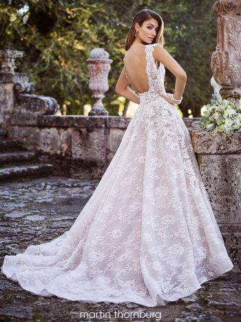 δαντέλα-οργάντζα-πριγκιπικό-ανοιχτή-πλάτη-ιδιαίτερο-νυφικό-218219-Sofia-VENETTI