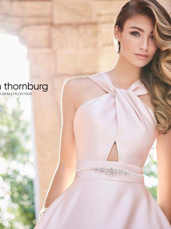 απλό-ακέντητο-πριγκιπικό-νυφικό-σατέν-Martin-Thornburg-218228-VENETTI