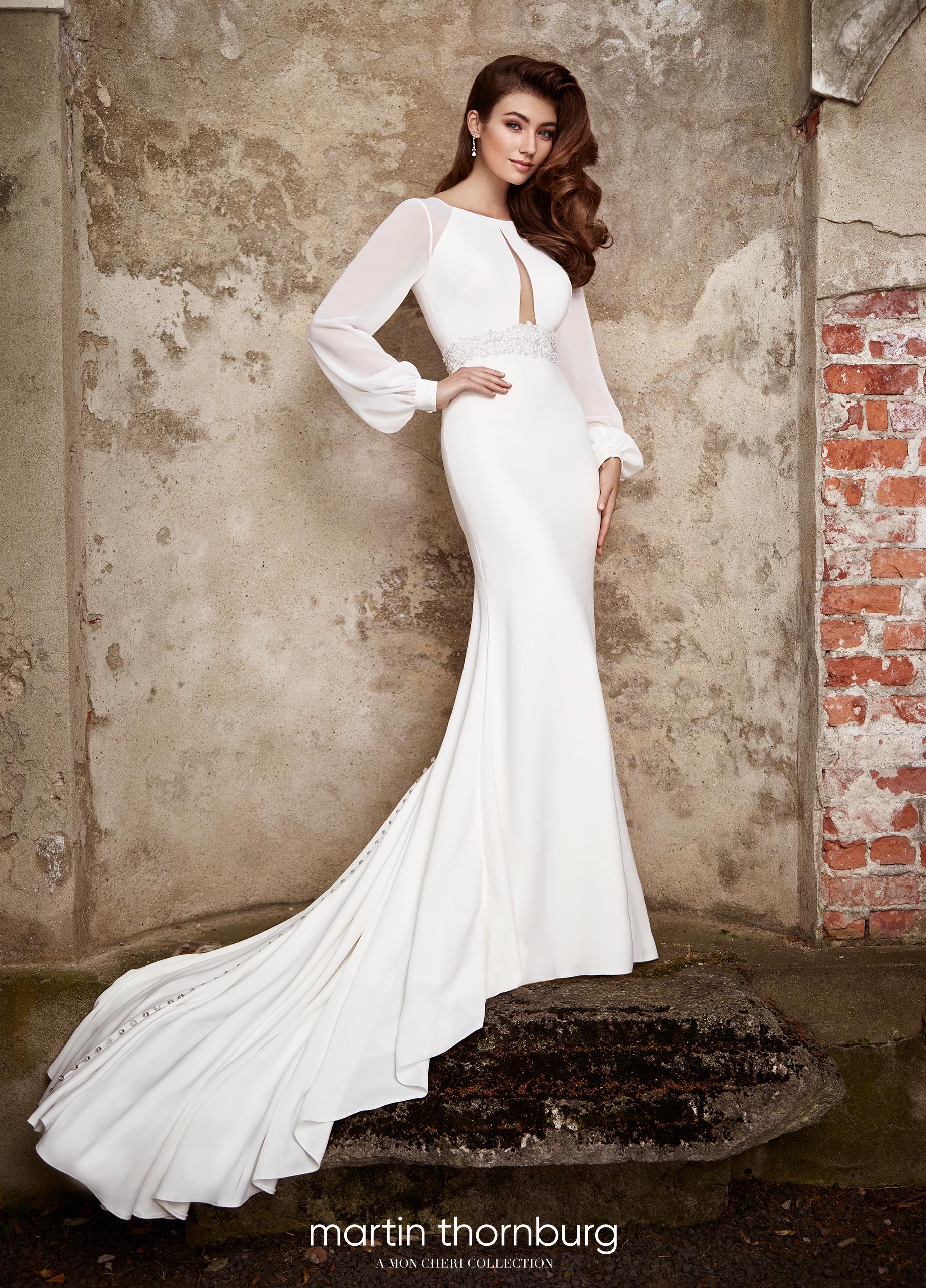 491ba19b8ad Ίσιο χυτό νυφικό φόρεμα κρεπ σιφόν μακρυά μανίκια 119282Α VENETTI