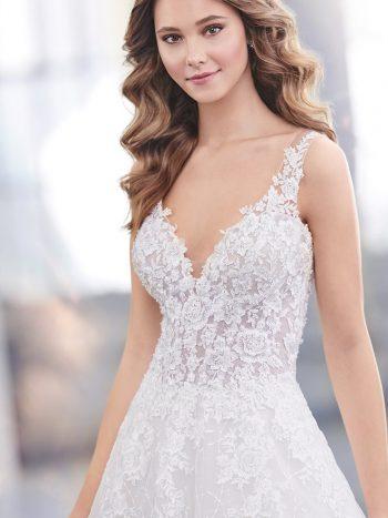νυφικό-φόρεμα-γραμμή-α-δαντέλα-219201-venetti-mon-cheri