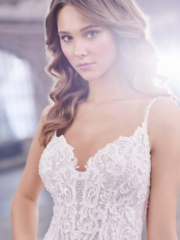 νυφικό-φόρεμα-δαντέλα-τούλι-παγέτα-α-γραμμη-219205-VENETTI