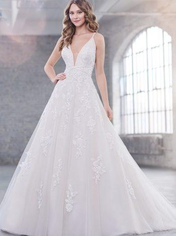 νυφικό-φόρεμα-δαντέλα-τούλι-α-γραμμη-219215-VENETTI-Mon-Cheri